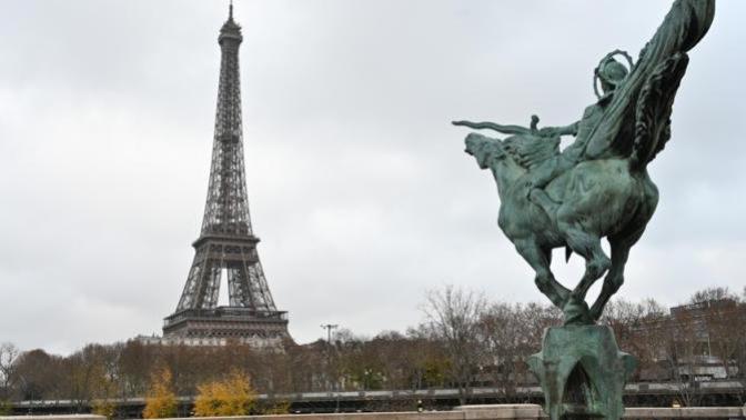 Fransa'da Hayat Duruyor! Ülke Diken Üstünde