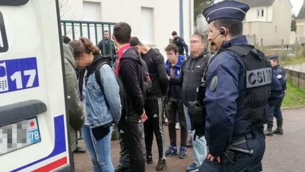 Saint-Exupery okulunda gözaltına alınan öğrenciler