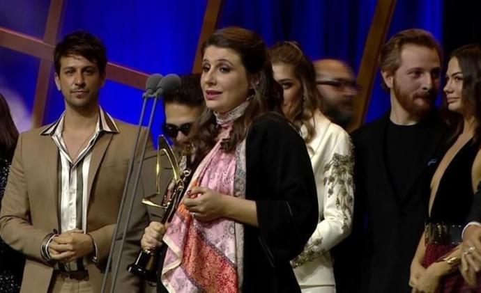 En İyi Romantik Komedi Dizisi: ERKENCİ KUŞ - FARUK TURGUT