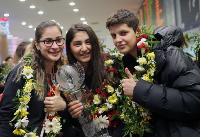 Dünya Şampiyonu VakıfBank'a Coşkulu Karşılama