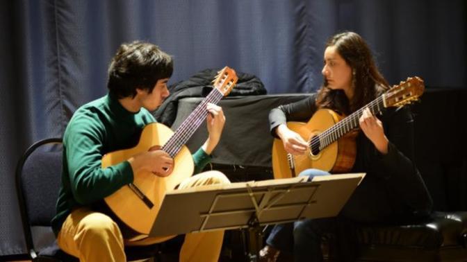 Gitar Çalmaya Başlamak İsteyenler İçin Hayati İpuçları