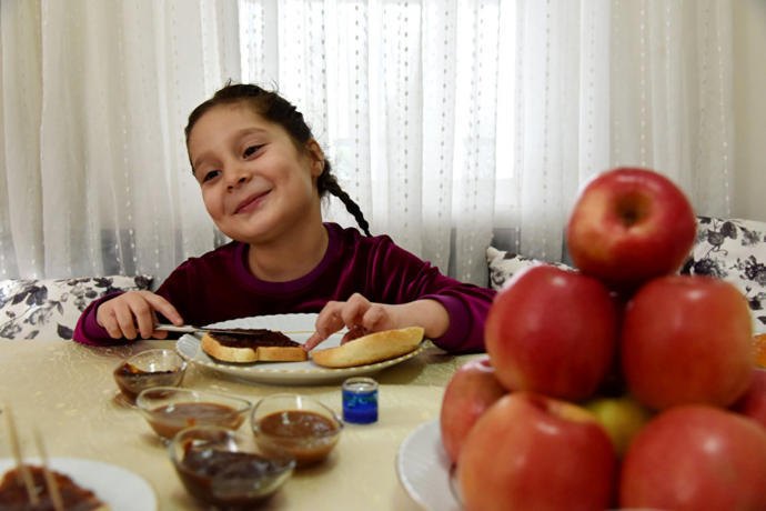 Ispartalı Kadınlardan Ekmeğe Sürülebilen Elma: Şokelma