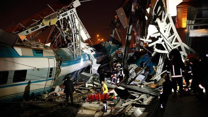 Ankara'da Yaşanan Tren Kazasında 9 Kişi Öldü 46 Kişi Yaralandı
