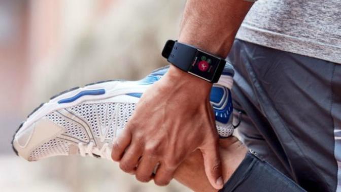 Koşuya Gönül Veren Erkekler İçin En Rahat ve En Şık Spor Kıyafeti Önerilerim