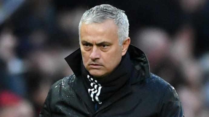 Jose Mourinho Kovuldu!