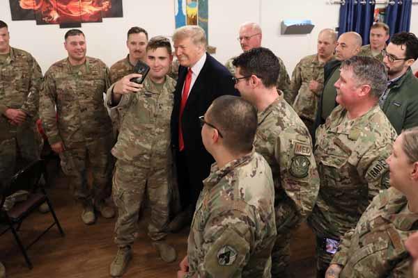 Trump ve Eşinden Irak'a Sürpriz Ziyaret!