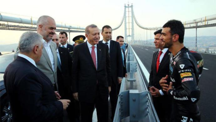 Kenan Sofuoğlu O Fotoğraf Hakkında Konuştu!