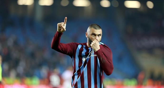 Oyuncu Zafer Algöz'den Beşiktaş'a Transfer Olan Burak Yılmaz Tepkisi