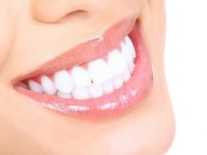 Dişlerin Beyazlığını Ortaya Çıkaracak Pratik Bir Ürün Arayanlar İçin Denedim!