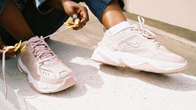 Topuklu Ayakkabılardan Sıkılıp Yere Basmak İsteyenler İçin 5 Spor Ayakkabı Önerisi!