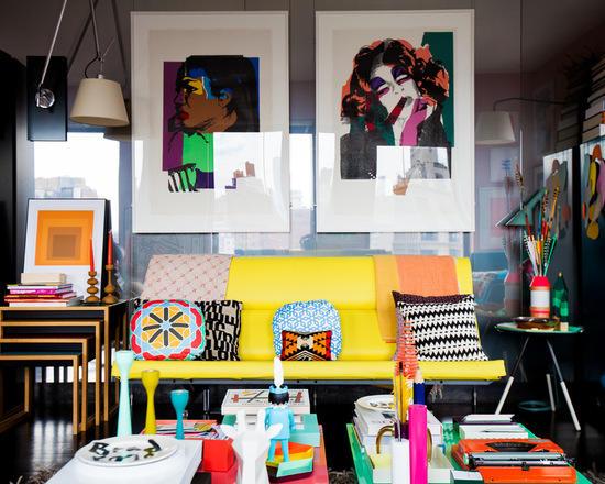 Pop Art'tan ilham alınarak tasarlanmış bir oturma odası