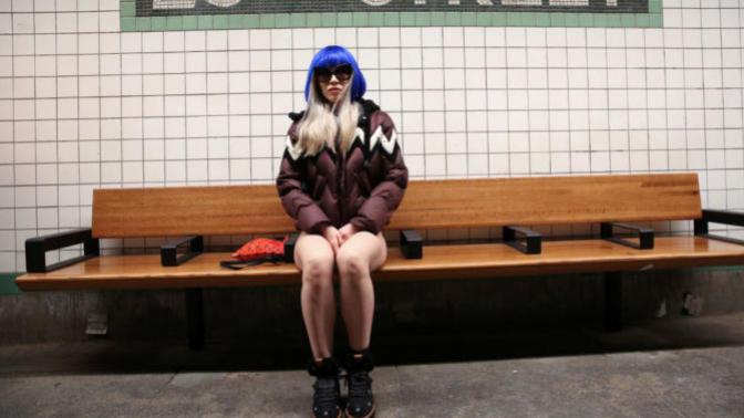 """New York'ta """"Pantolonsuz Metro Yolculuğu"""" 18. Kez Düzenlendi"""