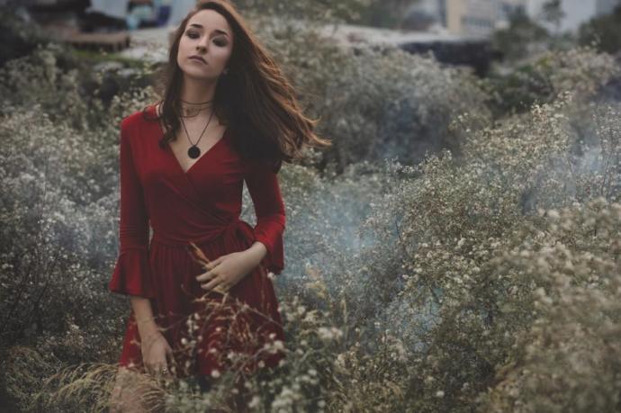 'Yoksun' Şarkısı İle Müzik Dünyasında Yankı Uyandıran 'Naz Ölçal' KizlarSoruyor'da!