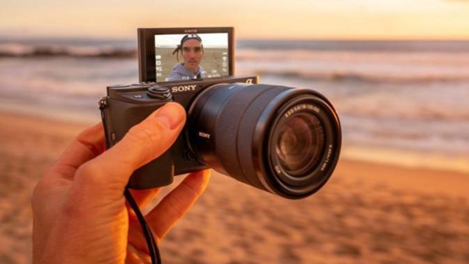 Sony, A6400 Modeli Yeni Orta Seviye Aynasız Fotoğraf Makinesini Duyurdu!