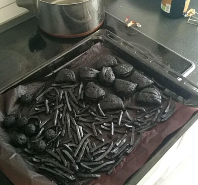 Herkesin Mutfağa Girmemesi Gerektiğini Gösteren Kareler