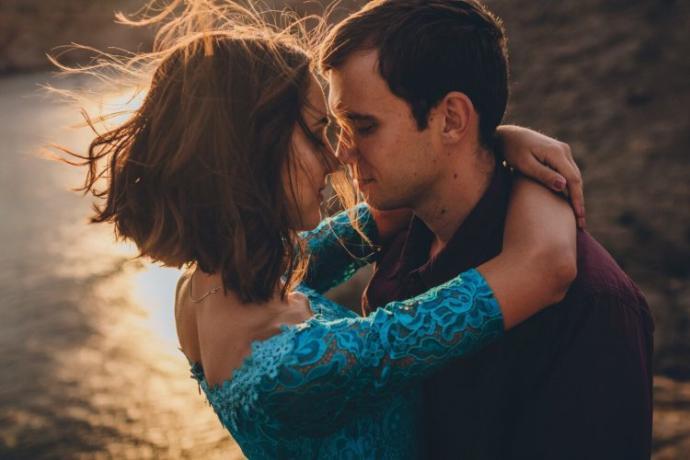 Eros Oklarını Sadece Onlara Atmış: Aşkta En İyi Anlaşan Burçların Şarkılı Analizi