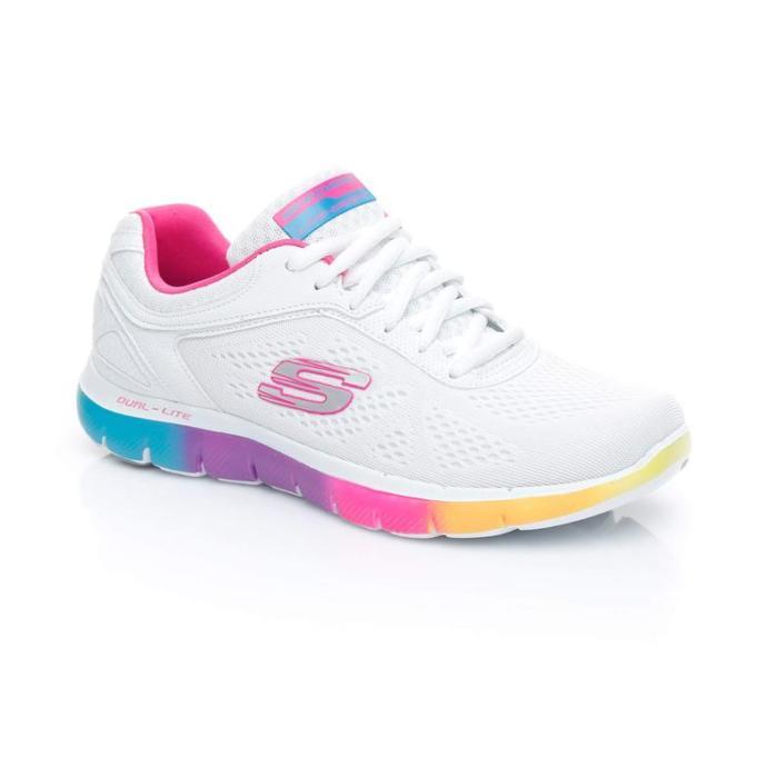 4.  Renkli tabanlar demişken, abartalım ve rengarenk tabanlı bir ayakkabıyı da listeye koyalım dedim.