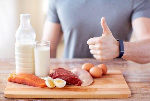 Sürekli Yemek Yeme İhtiyacı Hissetmenin Nedenleri Nelerdir?