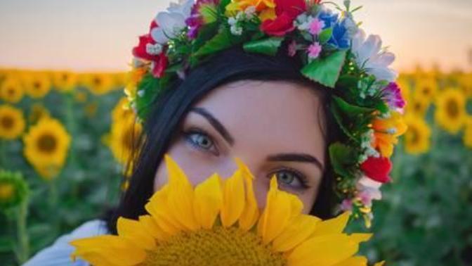 Sevdiklerinizin Evlerini Süslemek İstiyorsanız Onlara Hediye Edebileceğiniz Saksıda Çiçek Önerilerim