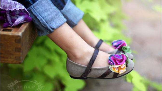 Kız Çocuklarını Sevindirmek İçin Birbirinden Renkli Ayakkabılar