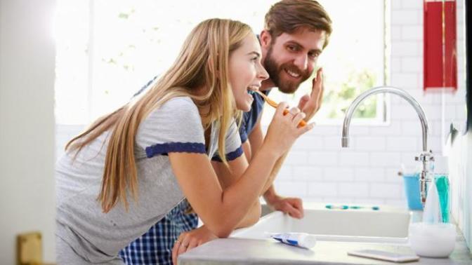 Diş Fırçası Seçimi Hakkında Bilgiler