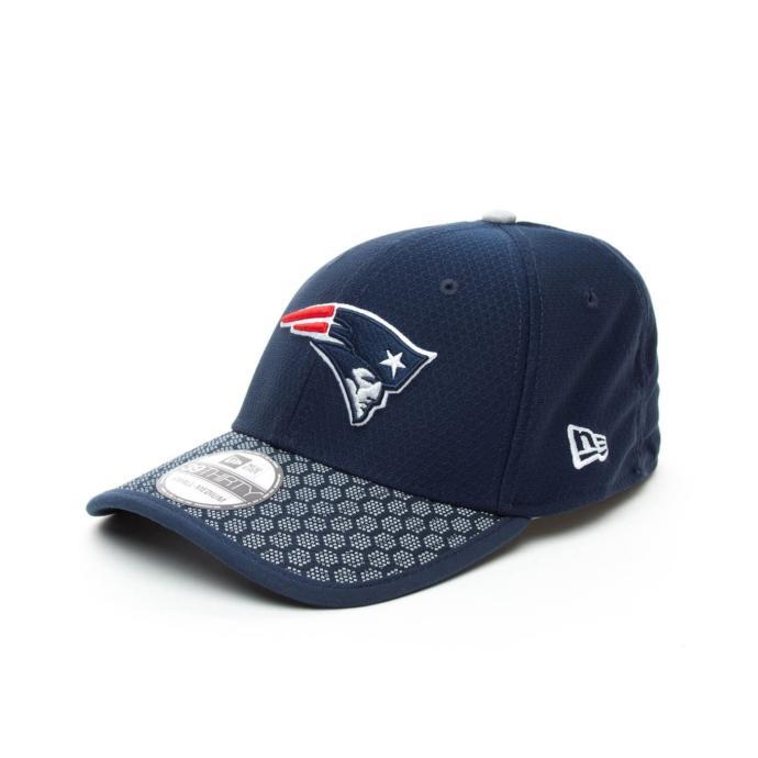 Açık havada spor yapanlar için başını güneşten koruyacak havalı bir şapka!