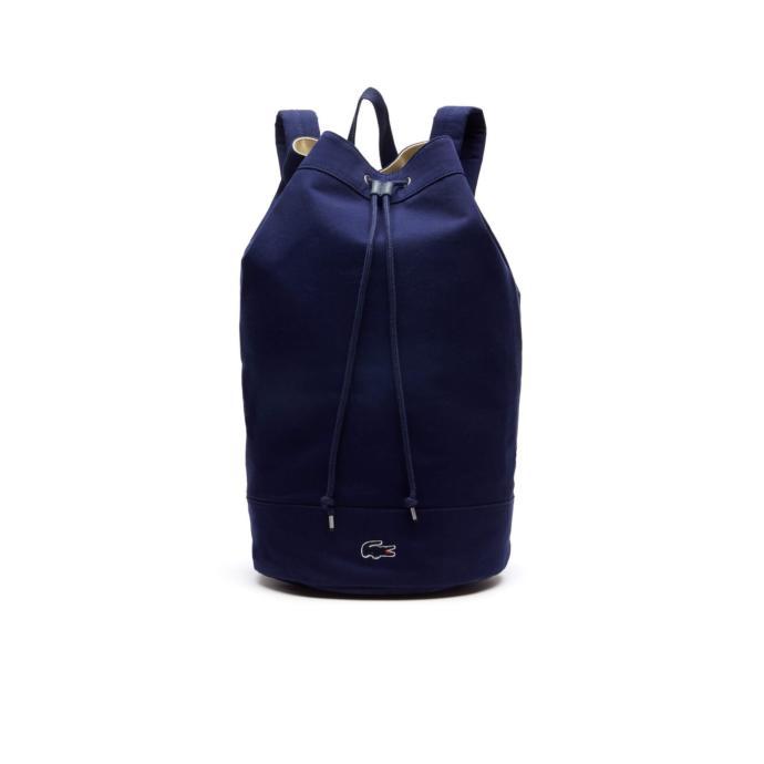 Eşyalarını yanında taşırken spor kombinini tamamlayacak şık bir çanta!