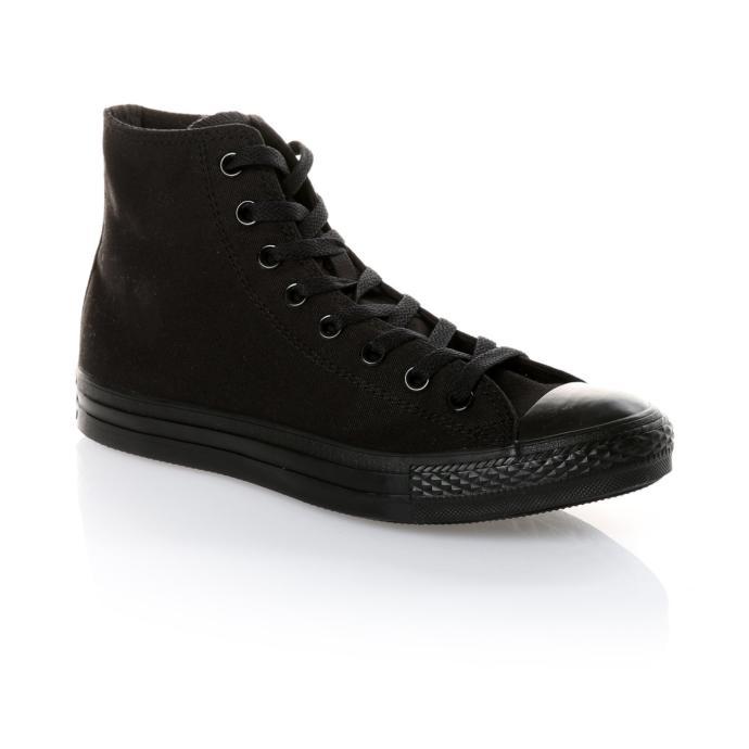 Kombinin cool havasını bozmayacak zarif bir ayakkabı!