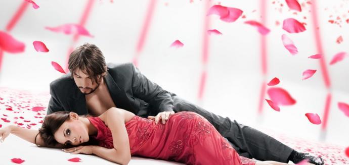 Sevgililer Gününde İçimizi Isıtacak Şık ve Sade Elbise Modelleri