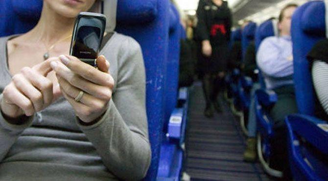 Uçakta Cep Telefonunu Kapatmayana Ağır Para Cezası Geldi