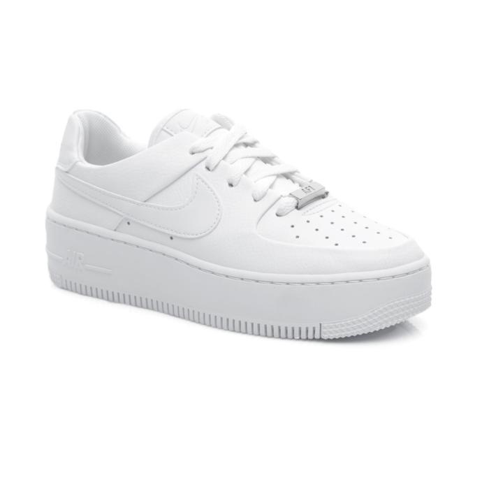 Her Kombine Uyum Sağlayacak Beyaz Spor Ayakkabı
