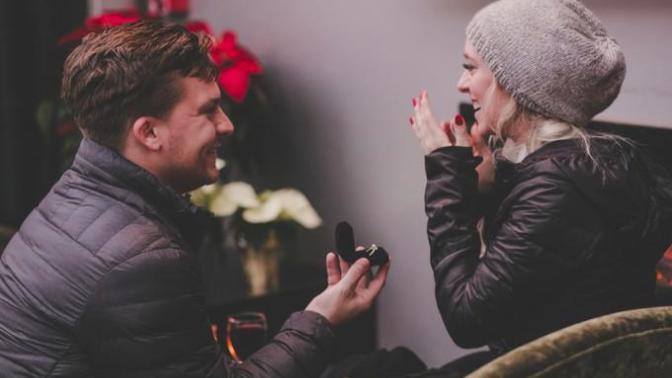 Evlilik Düşünmeyen Sevgilinin Sizinle Evlenmesini Sağlayacak Altın Öneriler