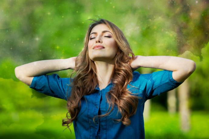 Özgürlüğüne Düşkün Kova İnsanı ile İyi Anlaşabilmeniz İçin Altın Değerinde Tavsiyeler