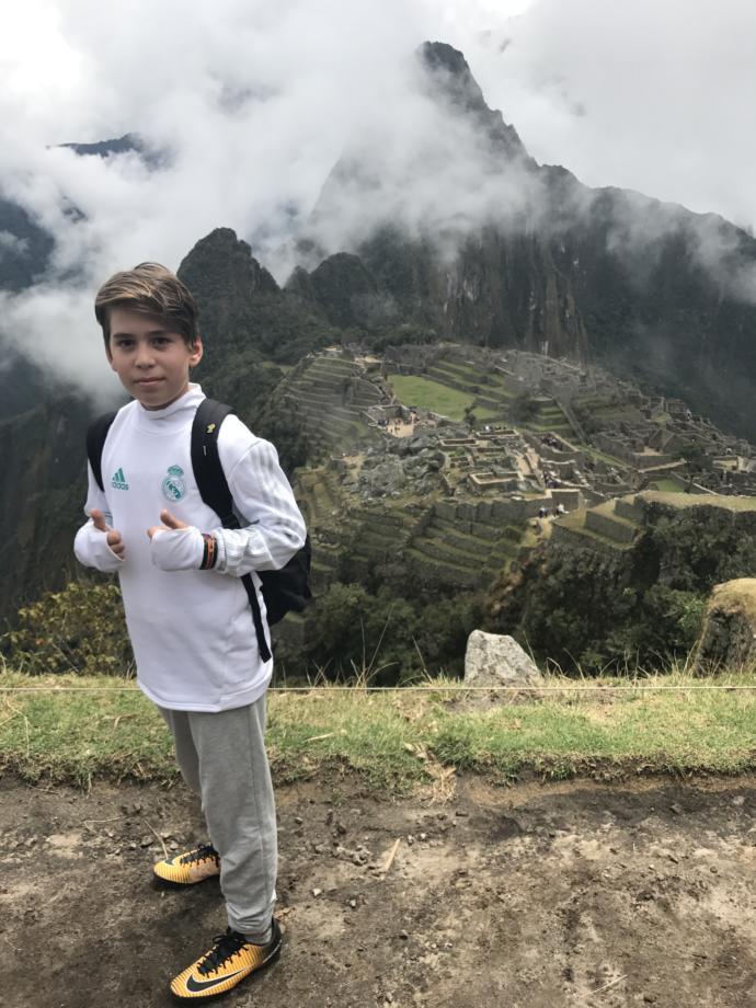O Türkiye'nin En Küçük Gezgini: 7 Harikayı Görmek Hayaliyle Dünyayı Keşfe Çıkan Egehan ile Söyleşimiz Var