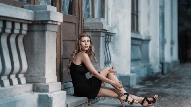 Her Kızın Dolabında Bulunması Gereken Siyah Elbise Modelleri!