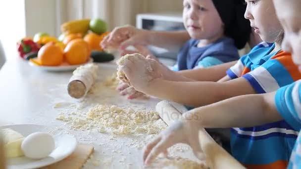 Çocuklarla Neleri Keşfedip, Birlikte Eğlenebiliriz?