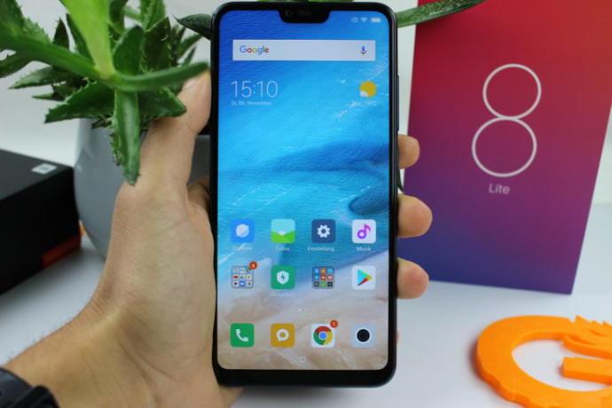Telefona Farklı Bir Bakış Açısı Getiren Teknoloji: Xiaomi Mi 8 Lite