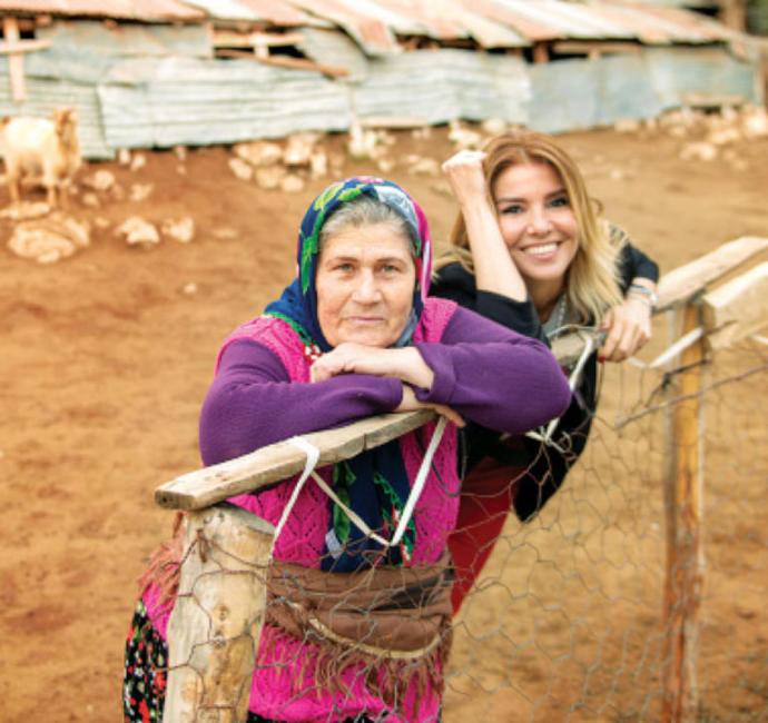 Dünya Kadınla Güzel: KizlarSoruyor'da 8 Mart'a Özel 8 Kadından 8 Özel Mesaj Var