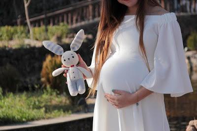 Hamileliğin Baharında Olanlara Özel Şık Elbise Modelleri