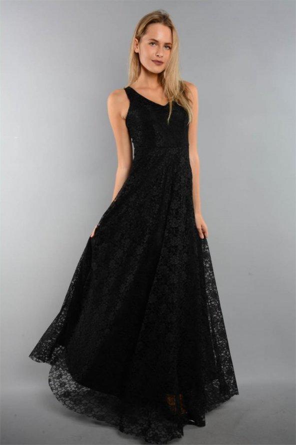 Kalın Askılı Dantelli Uzun Siyah Elbise