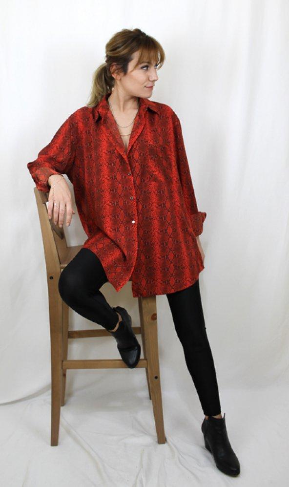 Yılan Desenli Salaş Model Kırmızı Gömlek