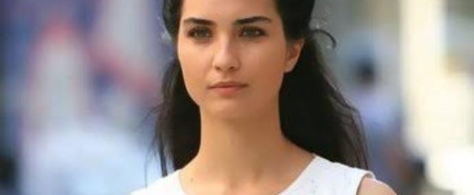Güzelliği Aşırı Abartılan 5 Türk Ünlü Kadın