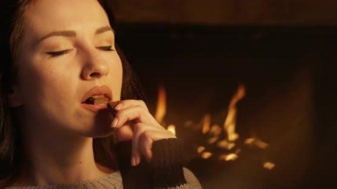 Cinselliğin En Tatlı Hali: Çikolatanın Cinselliğe Etkisi!