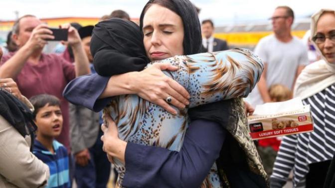 Yeni Zelanda Saldırısı Sonrası Zelandalıların Dünya Ülkelerine Verdiği İnsanlık Dersi