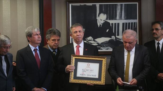 Mansur Yavaş ve Tunç Soyer Mazbatalarını Aldı (Ankara - İzmir)