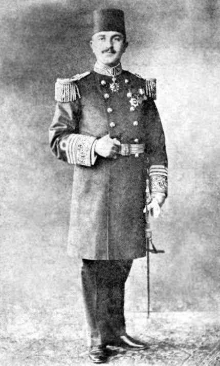Lozan Konferansı süresince başbakanlık yapan ve Kurtuluş Savaşı'nın çekirdek kadrosunda bulunan ünlü devlet adamı Rauf Orbay.
