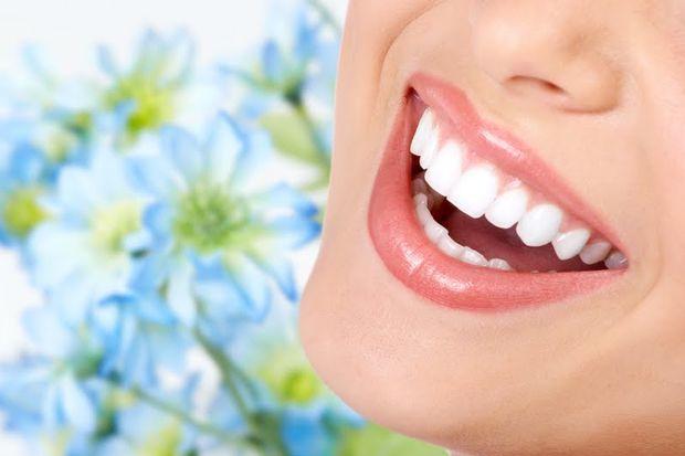 Geleceğinizden Daha Parlak Dişlere Sahip Olmak İçin Uygulamanız Gereken Doğal Yöntemler