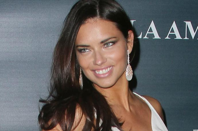Adriana Lima dişleri