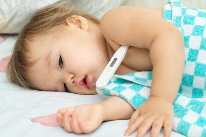 Dikkat: Bebeklerde Havaleye Sebep Olan Ateş
