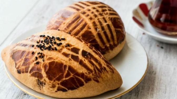 Sabah Kahvaltılarının Vazgeçilmezi Pofuduk Pastane Usulü Kaşarlı Poğaça Tarifi